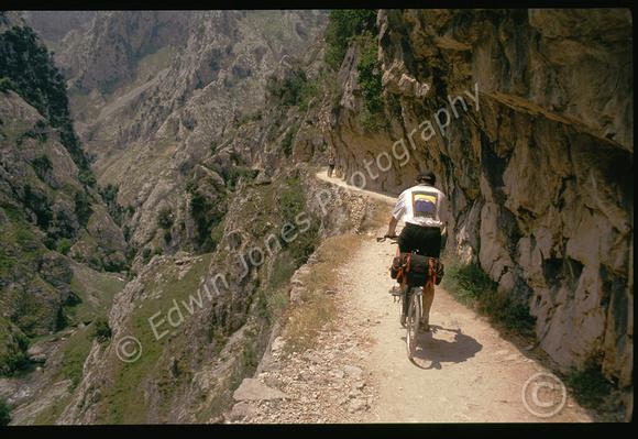 Cycling Cares Gorge Picos de Europa Original