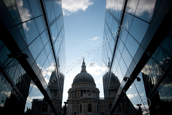 Lines towards St Pauls