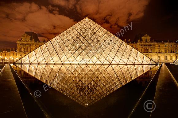 Louvre Night Diamond Paris Tonemapped