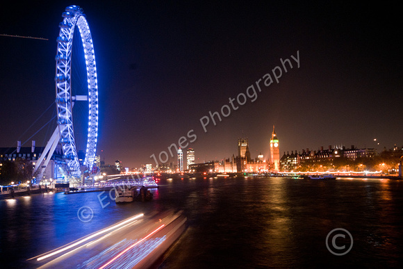 Thames Boat Light Stream Original 2