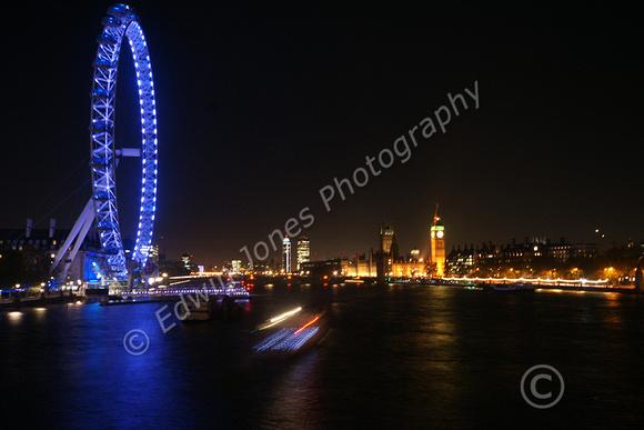 Thames Boat Light Stream Original 1