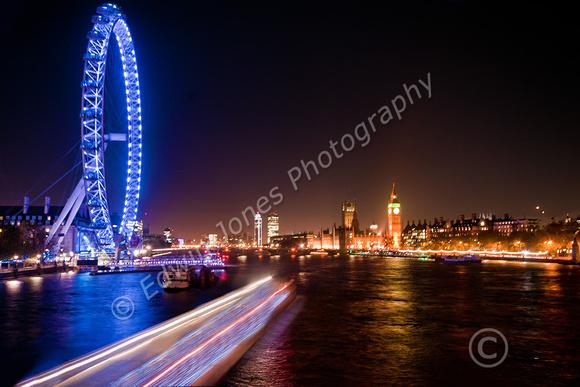 Thames Boat Light Stream Final